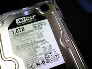 Western Digital製1TB HDD WD1001FALS