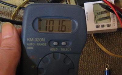 テスターでコンセントの電圧を測定