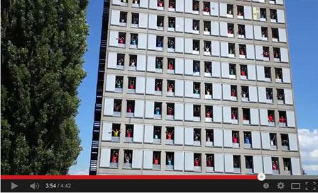 ビル窓12