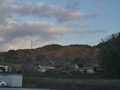 塔の写真の全景 (NFD 35-105 F3.5)